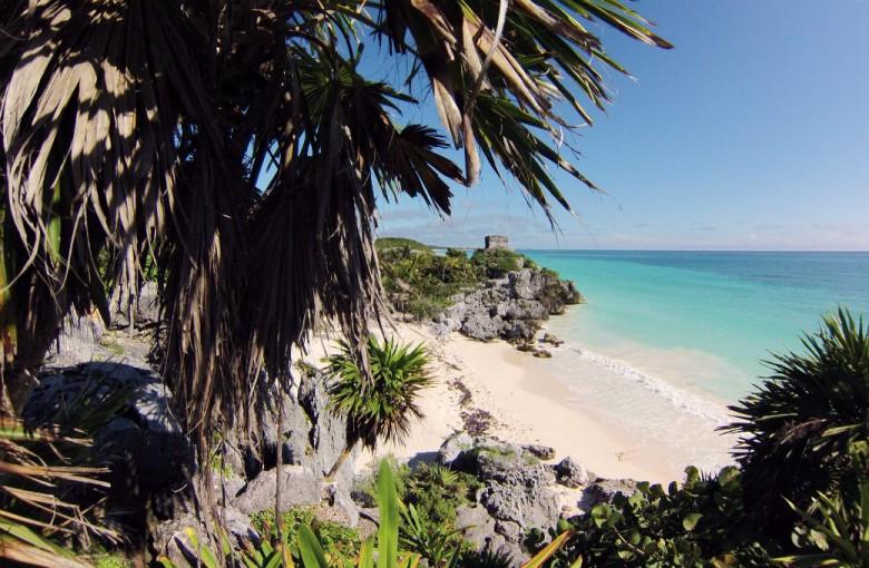 Blick auf den Strand von Tulum